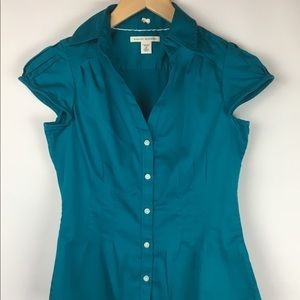 Banana Republic size 2P teal button front shirt